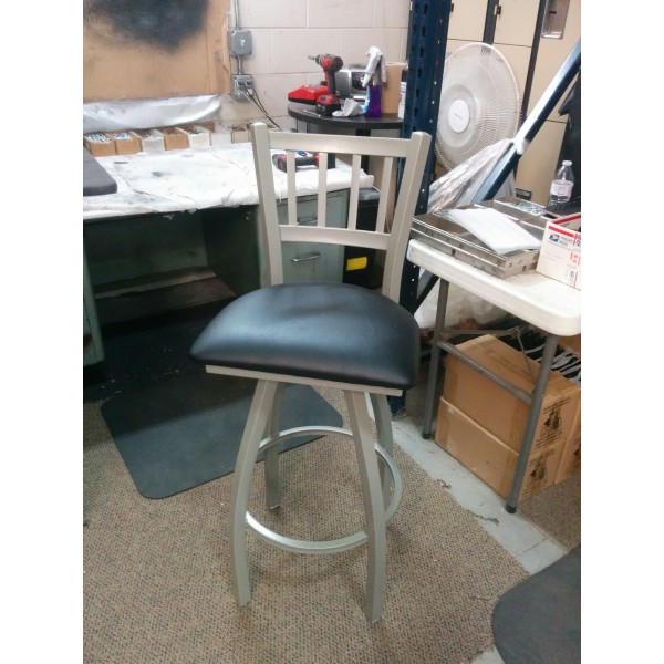 810 Contessa Swivel Bar Stool